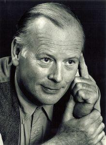 Singer Len Graham